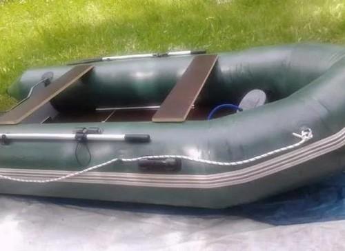 Полузамкнутая резиновая лодка