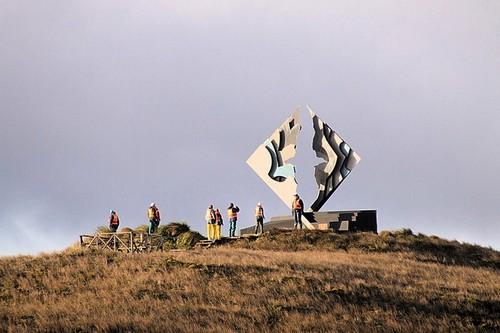 Памятник погибшим морякам на мысе Горн