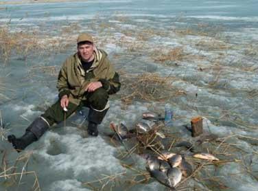 Ловля карася в марте со льда