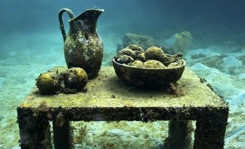 Подводный музей скульптур в заливе Молинере в Гренаде