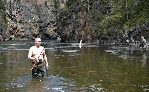 Vladimir Putin and Sergei Shoigu on fishing and spearfishing