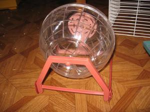 Из чего сделать колесо для хомяка