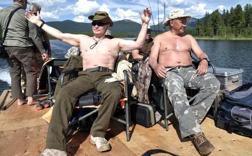 Vladimir Putin and Sergei Shoigu on fishing and spearfishing